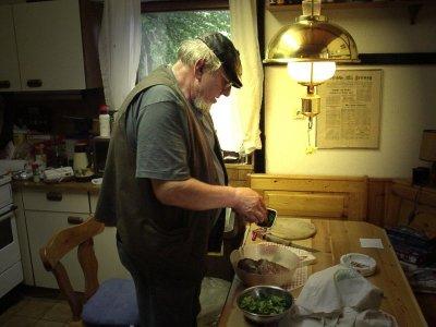 Schlumpsie k�mmert sich 'r�hrend' um die kulinarischen Gen�sse